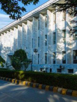 وزارت خارجه زمان مأموریت دیپلماتها را کاهش میدهد